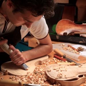 Fa- és kőipari megoldások
