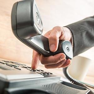 """Unify: """"Phone-ok harca"""" – avagy az asztali telefon a jövő vagy a múlt?"""